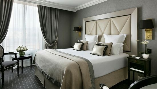 chambre h tel bord de mer m dit rran e le majestic h tels barri re. Black Bedroom Furniture Sets. Home Design Ideas