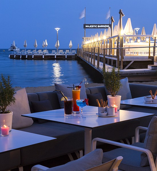 Hôtel Barrière Cannes - Le Majestic - Pier - Night-time - Exterior - Table