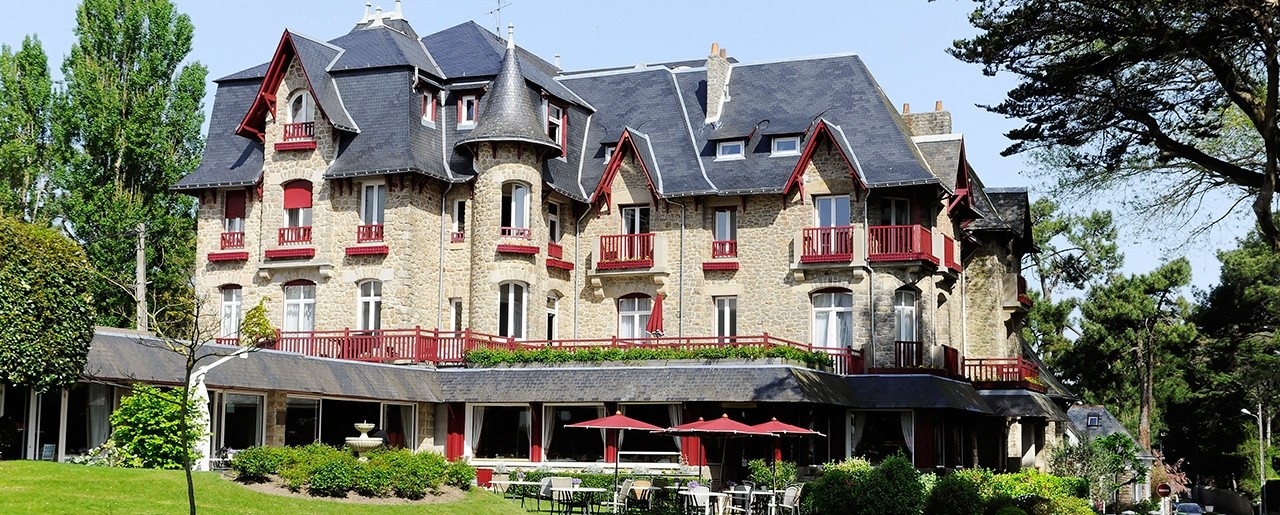 Hôtel Barrière La Baule - Castel Marie Louise - View of the hotel