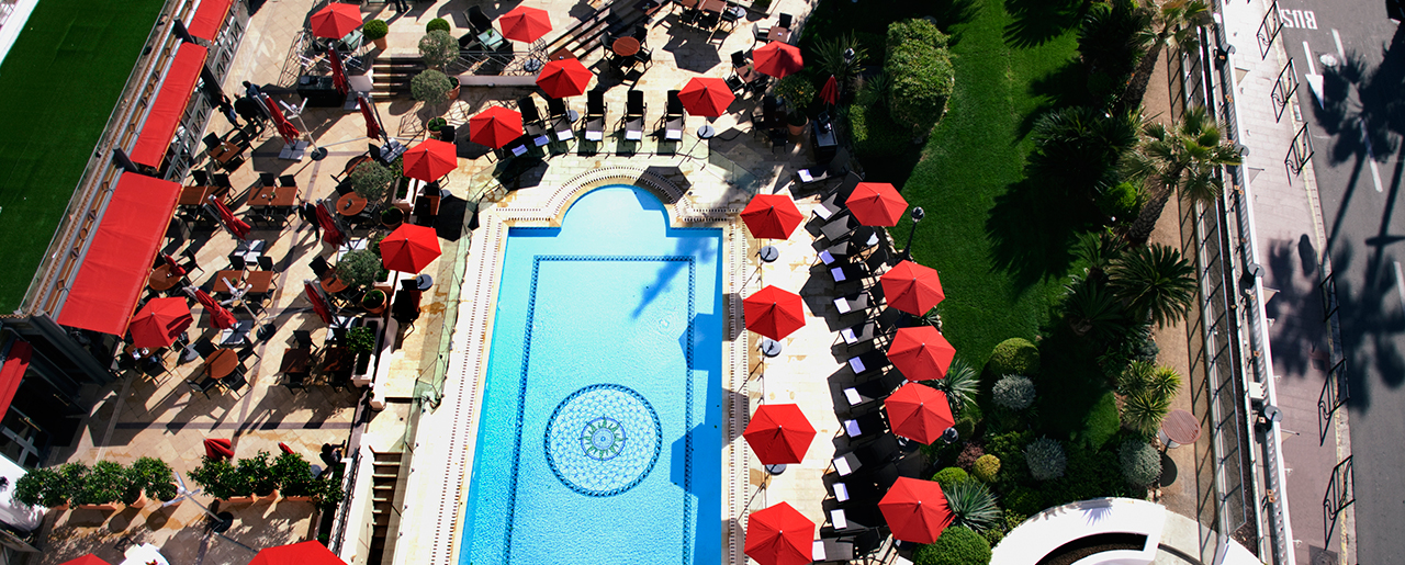 Hôtel Barrière Cannes - Le Majestic - Aerial view of the swimming pool